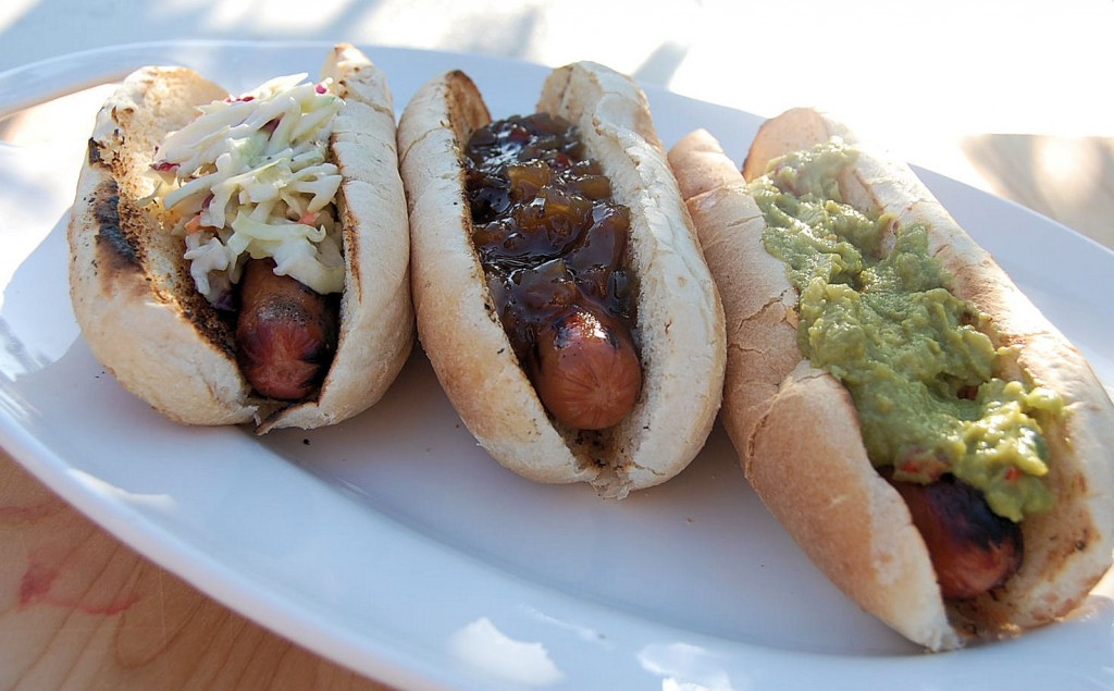 Do You Know How To Cook A Hot Dog No I Don T Mean In The Microwave Or Letting Your Hubby Throw It On Grill Real Method